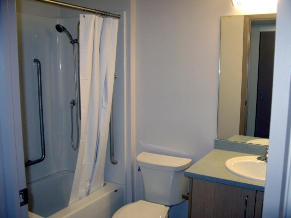 230 Talbot bathroom jpg